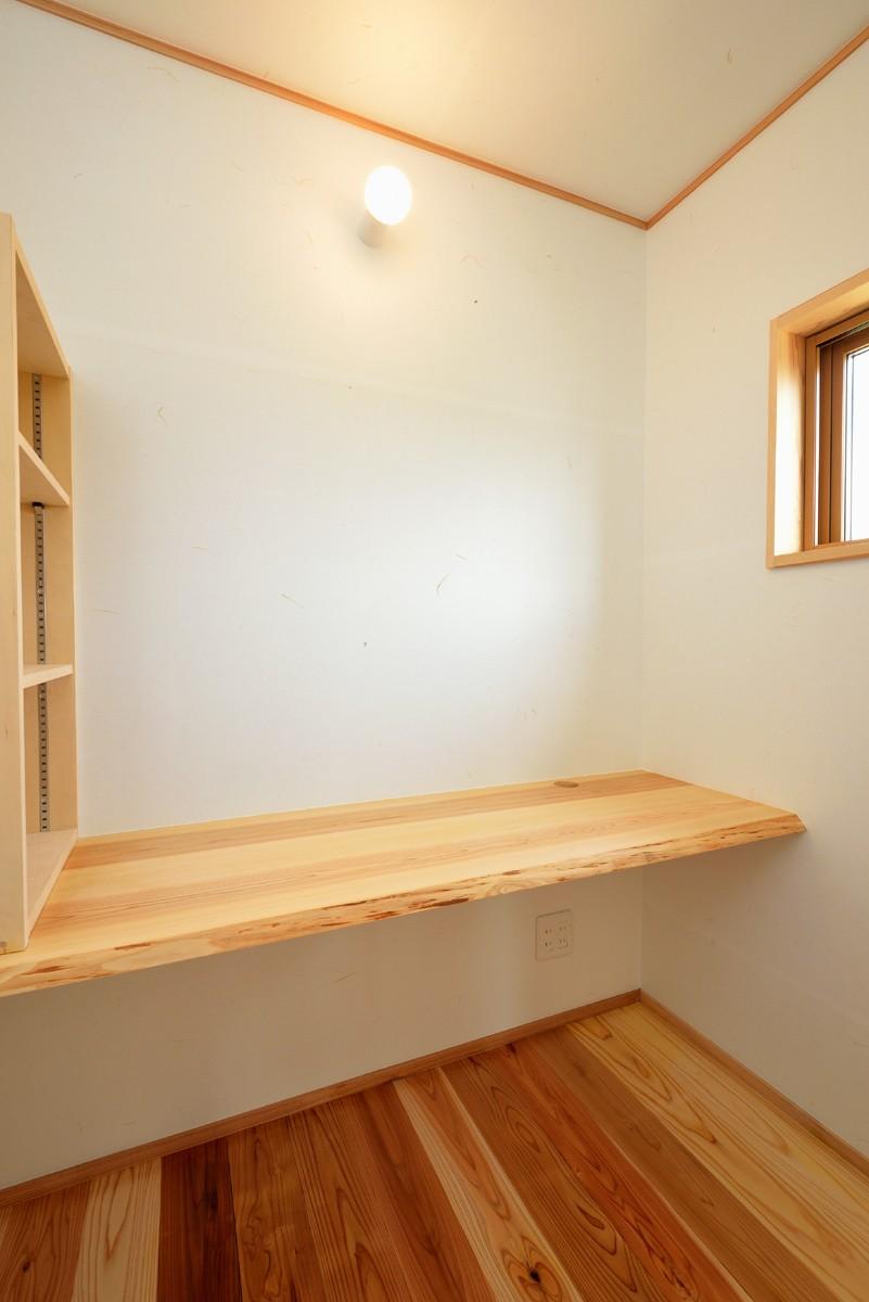 書斎事例:書斎(HUFUプラスワン/ローコストで建てる規格型の木の家)