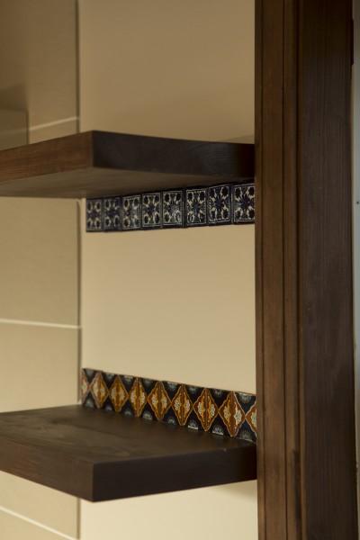 キッチン後ろの棚 (セブンステップス・トゥ・ヘブン 「我孫子駅徒歩圏内・充実のスローライフ」)