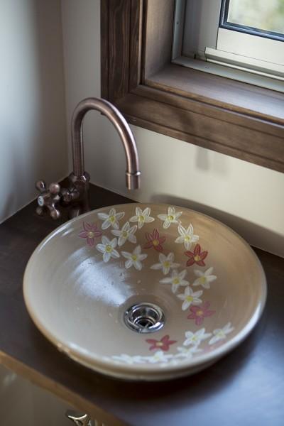 2階トイレの手洗い器 (セブンステップス・トゥ・ヘブン 「我孫子駅徒歩圏内・充実のスローライフ」)