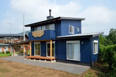 南デッキ (HUFUプラスワン/ローコストで建てる規格型の木の家)