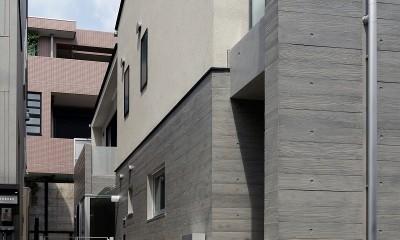 小規模デザイナーズアパートメント|三茶の集住 (1階外部通路)