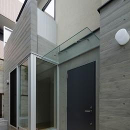 小規模デザイナーズアパートメント|三茶の集住 (入口)