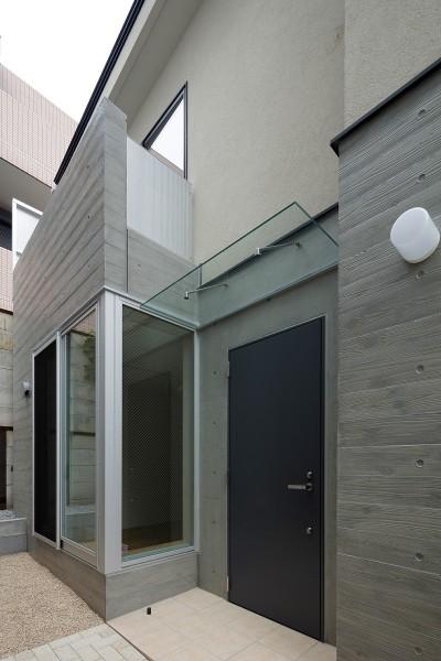 入口 (小規模デザイナーズアパートメント 三茶の集住)