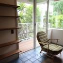 港町を感じる横浜のヴィンテージマンションリノベの写真 バルコニーと室内との境界線