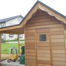 カンツリー倶楽部  「調整区域に建てた家」 (小屋の入口)