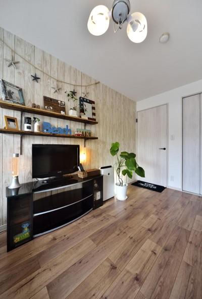 寝室 (室内環境を整え、快適で広々としたリビングに)