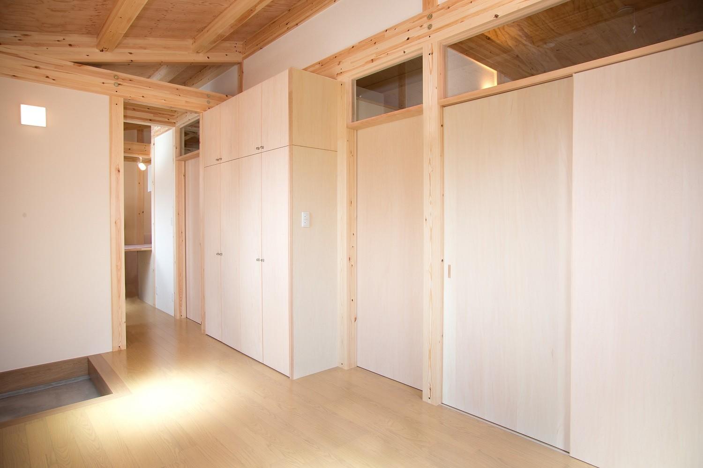 玄関事例:玄関ホール(木造平屋建てバリアフリー住宅)