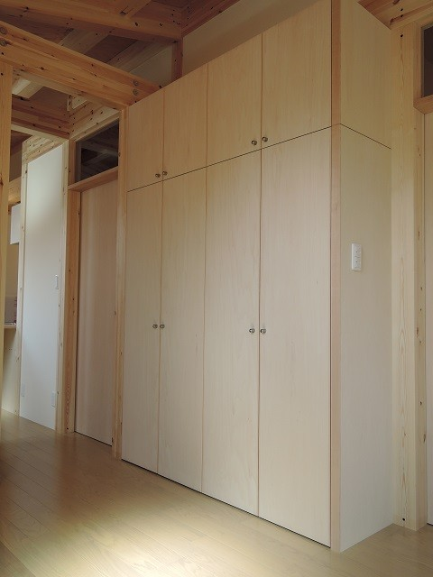 玄関事例:造り付け玄関収納家具(木造平屋建てバリアフリー住宅)