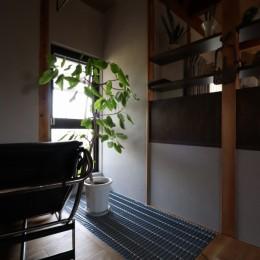 自然素材と色彩を楽しむ家 (グレーチング)