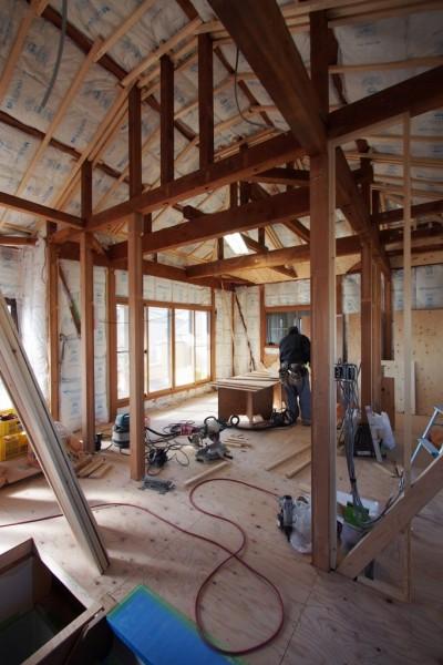 自然素材と色彩を楽しむ家 (断熱改修工事)
