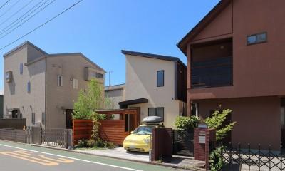 本と空を愉しむ階段の家|狛江の家 (外観)
