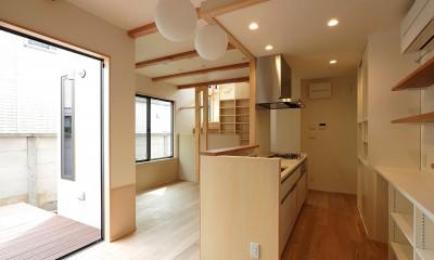本と空を愉しむ階段の家|狛江の家 (LDK)