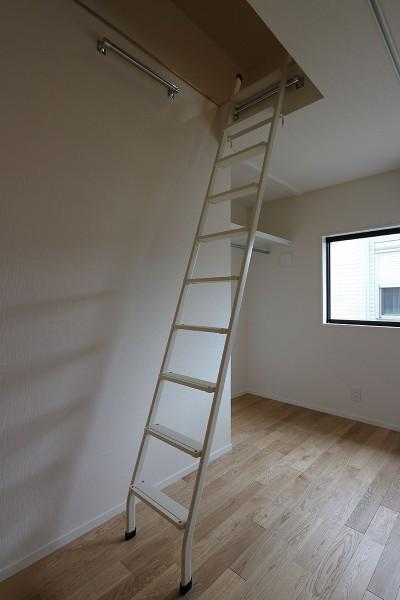 洋室 (本と空を愉しむ階段の家|狛江の家)