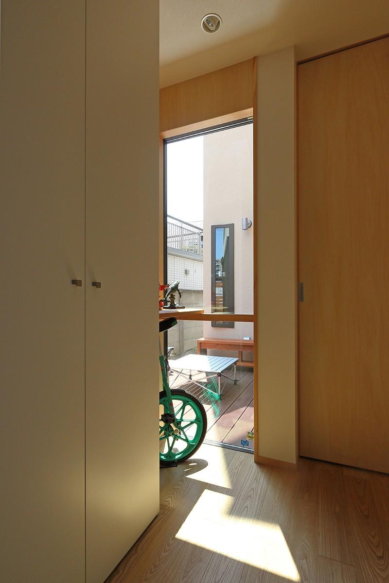 その他事例:廊下(本と空を愉しむ階段の家|狛江の家)