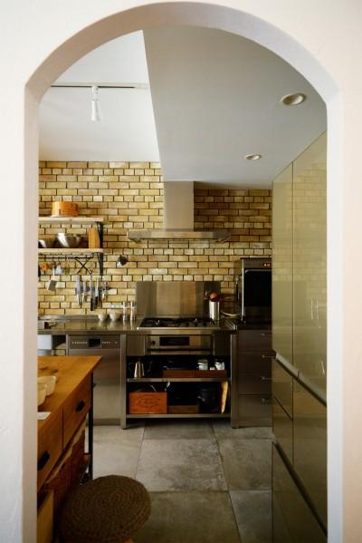 キッチン (『SEASON』 ― 景色と暮らす、窓のイエ)