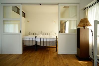 ベッドルーム (『SEASON』 ― 景色と暮らす、窓のイエ)