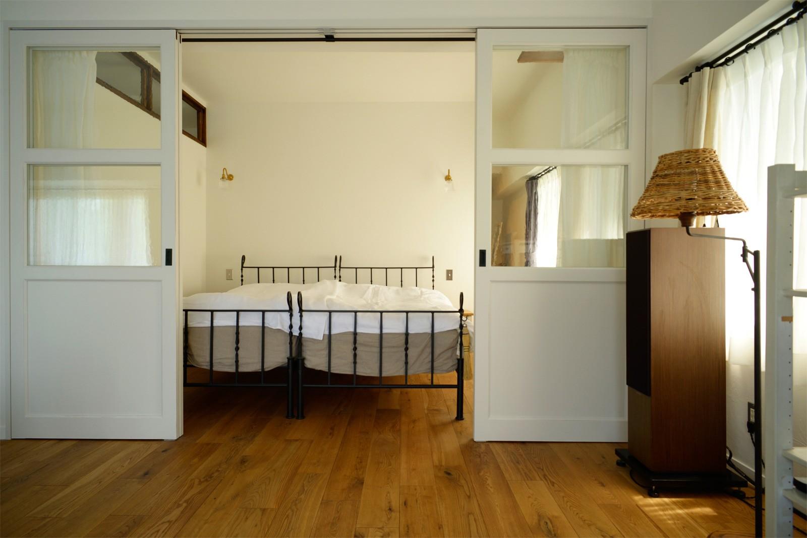 ベッドルーム事例:ベッドルーム(『SEASON』 ― 景色と暮らす、窓のイエ)