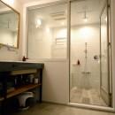 『SEASON』 ― 景色と暮らす、窓のイエの写真 バスルーム
