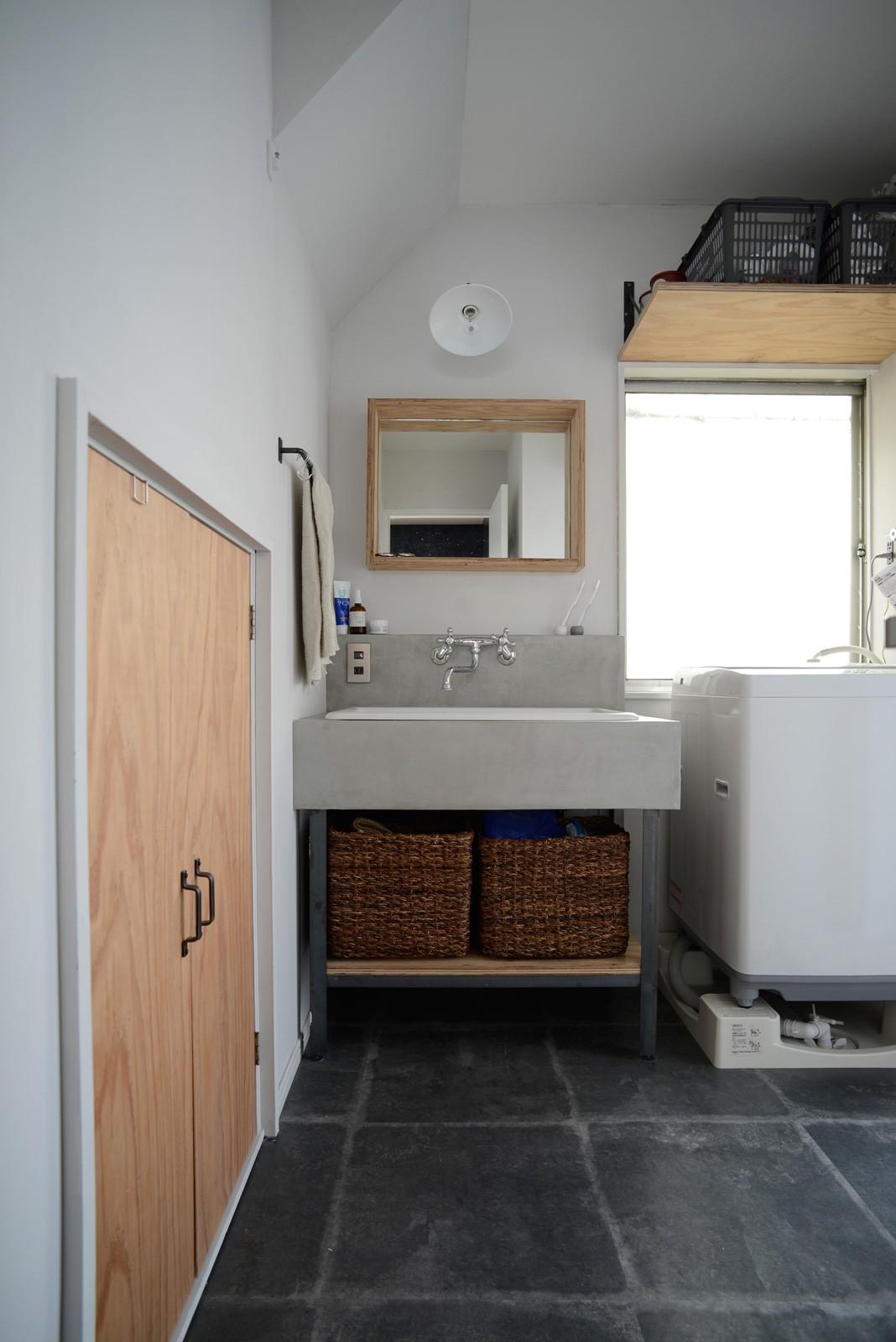 バス/トイレ事例:洗面室(『世代を超えて』 ― 築古戸建に手間ひまかけて)