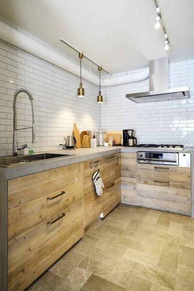 キッチン (『Avenue』 ― 家族に優しい家)