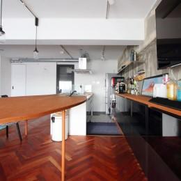 ダイニングテーブルが主役の家 (ダイニング)