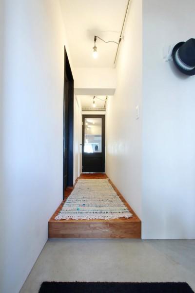 玄関・廊下 (ダイニングテーブルが主役の家)