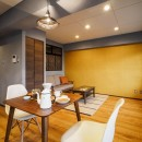 築40年のマンションをカルフォルニア風インテリアリノベーションの写真 シングルに心地よい広さの空間
