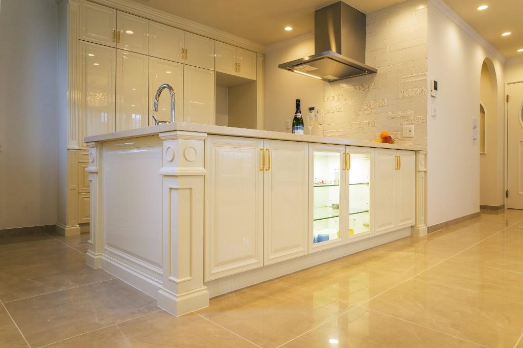 キッチン事例:キッチン(華やかさとエレガンスを備えた上質なヨーロピアンテイストの住まい)