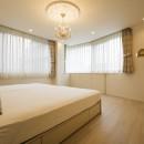 華やかさとエレガンスを備えた上質なヨーロピアンテイストの住まいの写真 ベッドルーム