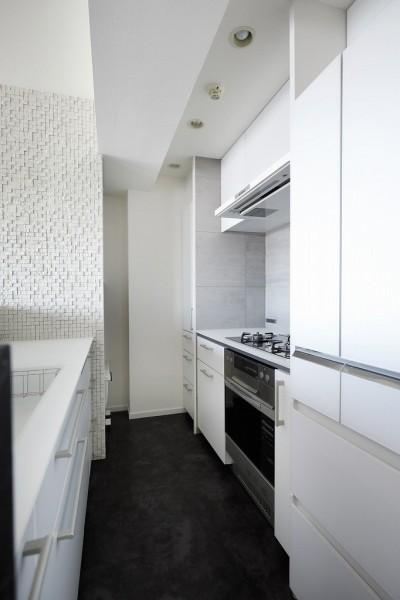 Ⅱ型キッチン (大人シックな空間を存分に楽しむ)