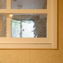 『Session!』 ― 家族の三和音の写真 室内窓