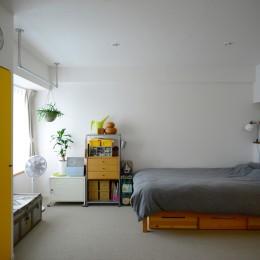 『JIBES』 ― 変えないリノベーション (寝室)