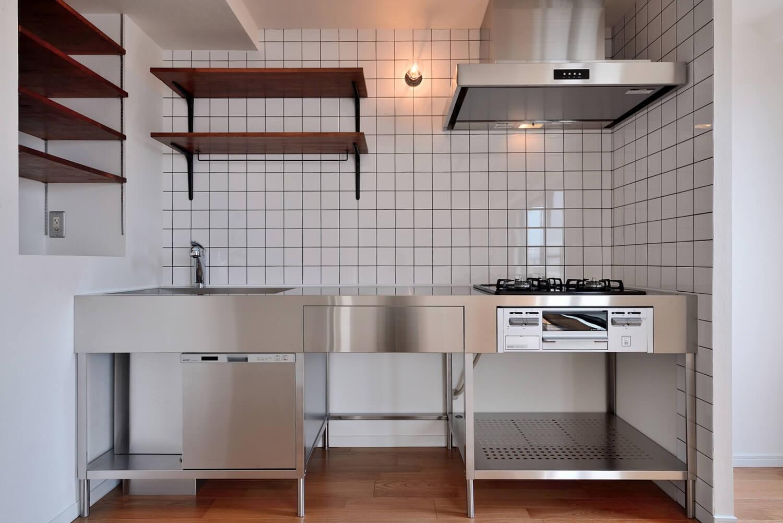 キッチン事例:キッチン正面(ヴィンテージ×無機質の甘辛MIXリノベーション住まい)