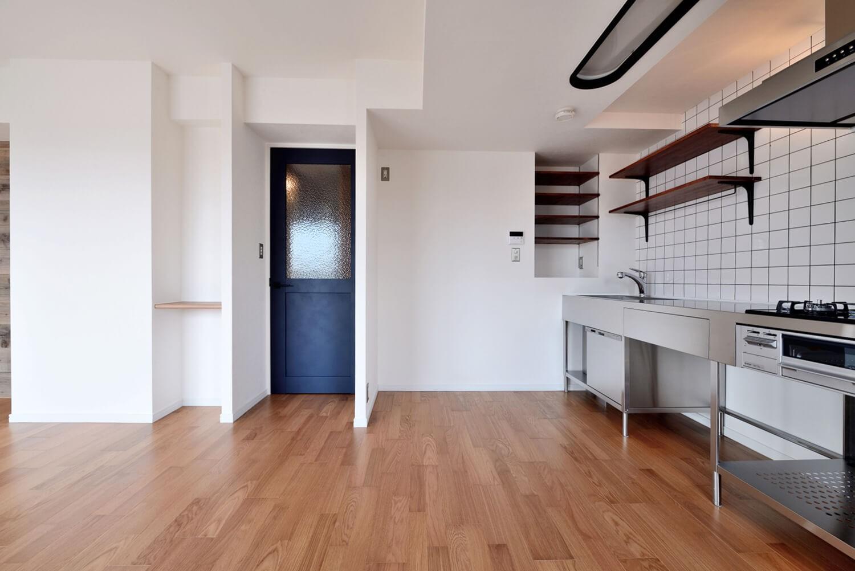 キッチン事例:キッチン側面(ヴィンテージ×無機質の甘辛MIXリノベーション住まい)