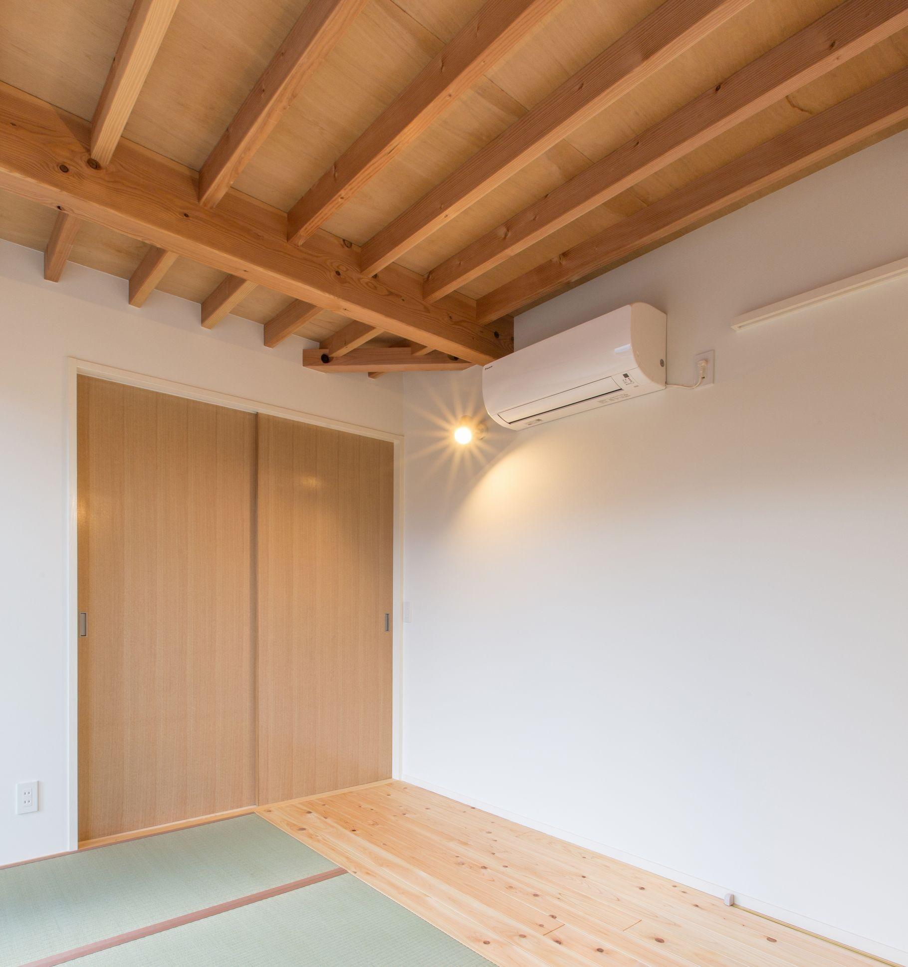 ベッドルーム事例:寝室の天井見上げ(3-BOX 1800万円の家)