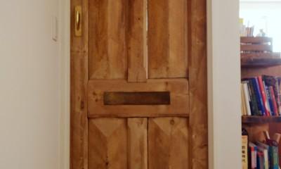 『antique』 ― 銘品にふさわしく (ドア)
