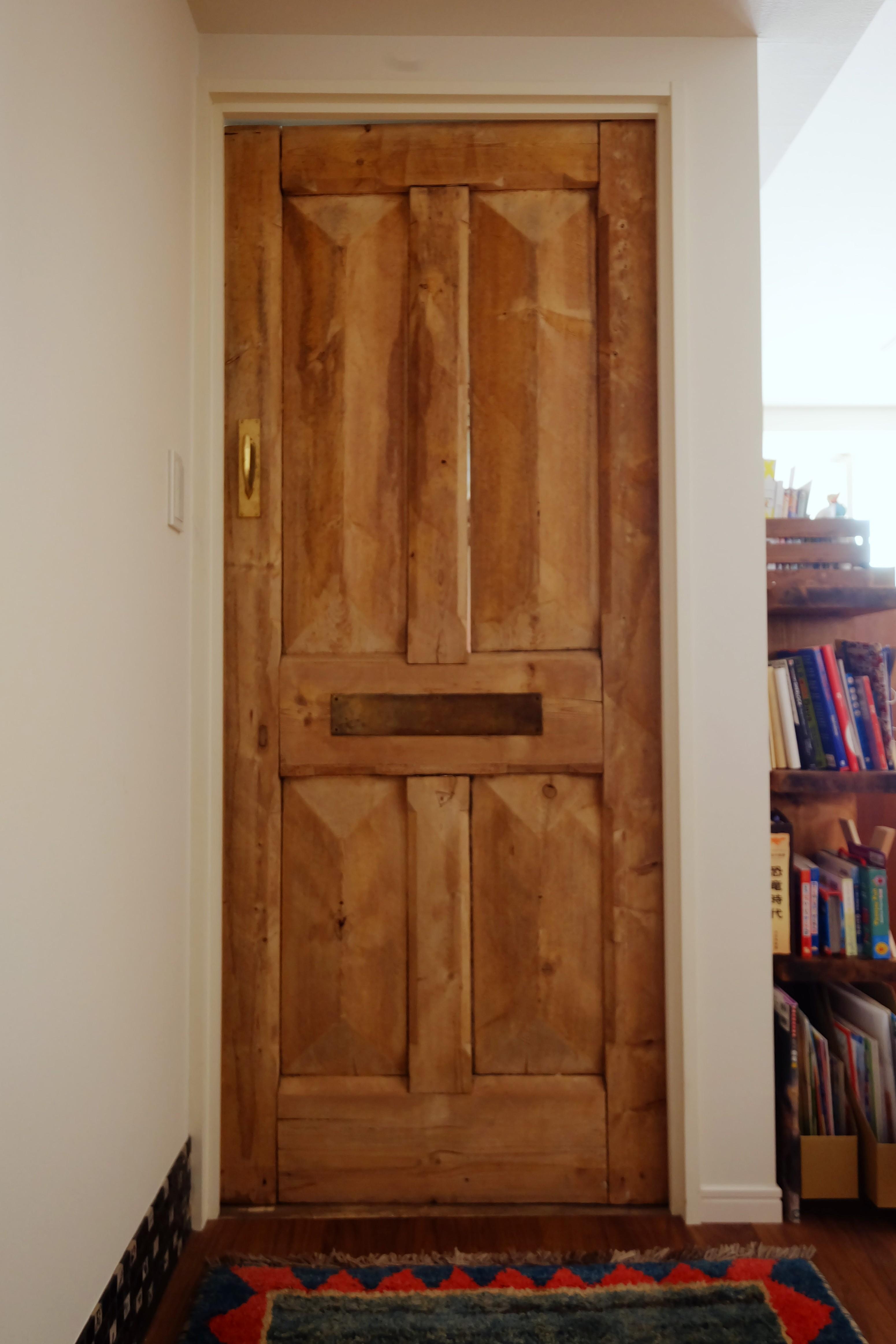 その他事例:ドア(『antique』 ― 銘品にふさわしく)