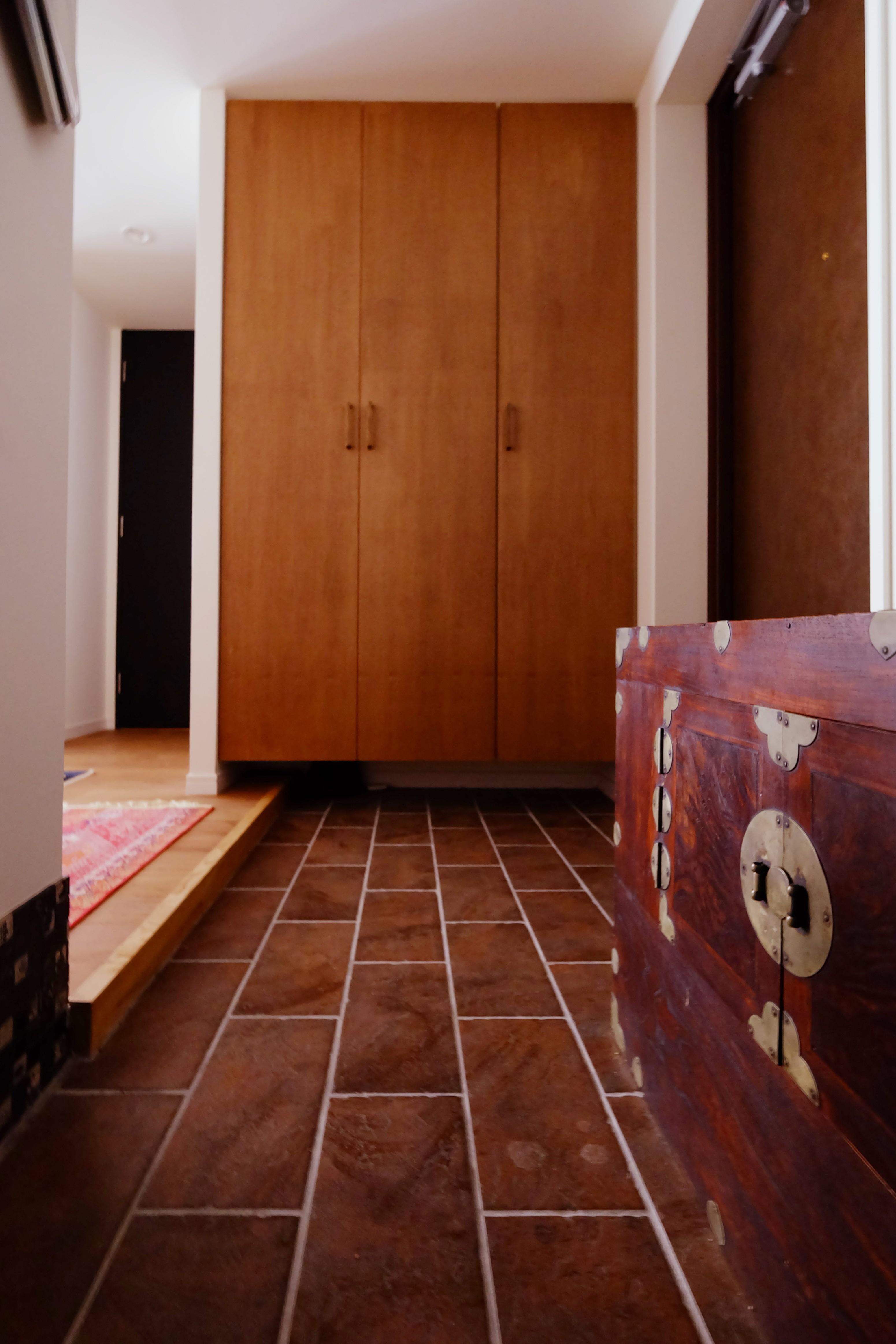 玄関事例:玄関(『antique』 ― 銘品にふさわしく)