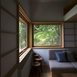 野尻湖の小さな家 (リビングダイニング)