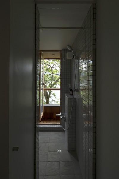 浴室 (野尻湖の小さな家)