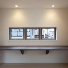 蔵とヴァイオリン室のある家 (食事スペースと学習空間の一体化)