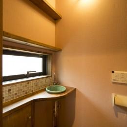 カンツリー倶楽部  「調整区域に建てた家」 (1階トイレ)