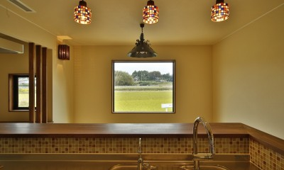 カンツリー倶楽部  「調整区域に建てた家」 (キッチンに立って田んぼを見る)