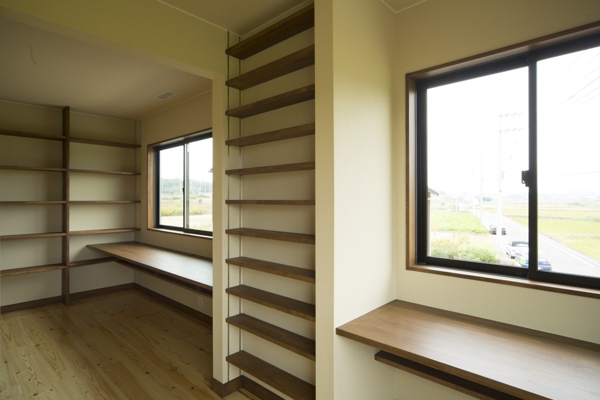 子供部屋事例:2階洋室(カンツリー倶楽部  「調整区域に建てた家」)