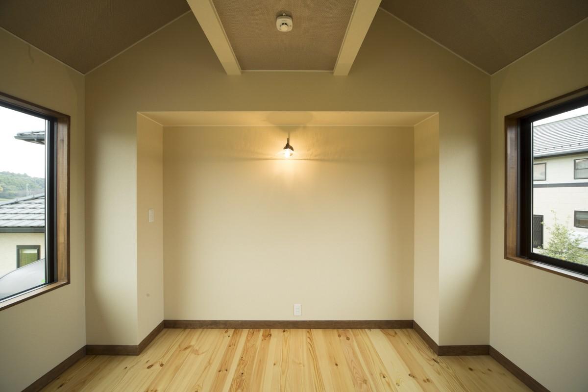 ベッドルーム事例:2階寝室(カンツリー倶楽部  「調整区域に建てた家」)