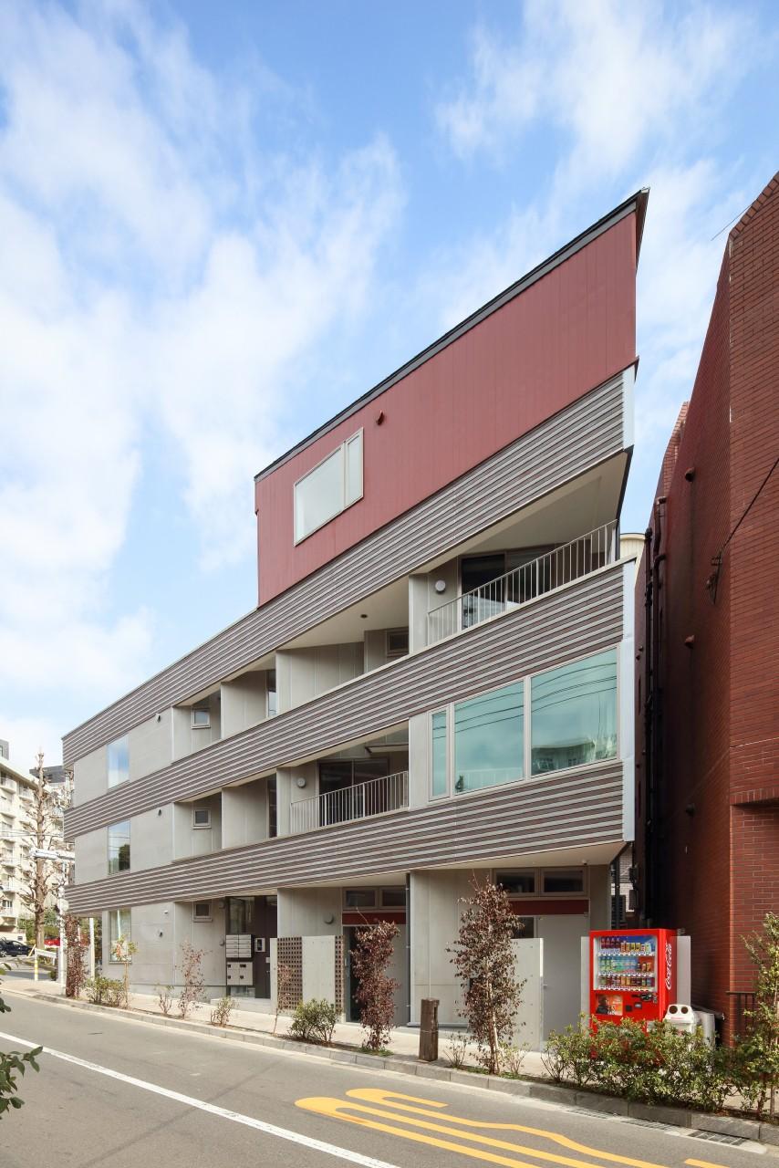 三角形の土地に建つ共同住宅 - その他事例|SUVACO(スバコ)