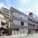 変形地に建つ共同住宅の写真 外観