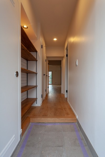 NYスタイルな玄関収納 (Simple solid wood)