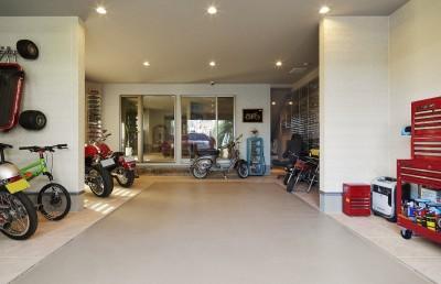 大きなビルトインガレージのある家 埼玉県所沢市・S邸 (ガレージ)