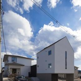 木造築30年「フルリノベーション+増築」で二世帯住宅に改築 OUCHI-23 (外観)